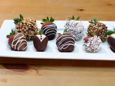 آموزش تزیین توت فرنگی با شکلات