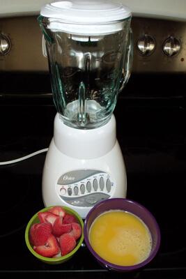 اسموتی توت فرنگی و آب پرتقال