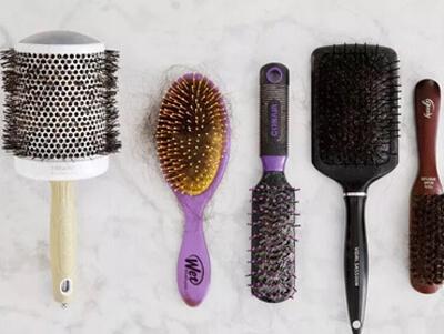 روش های کاربردی برای تمیز کردن برس مو