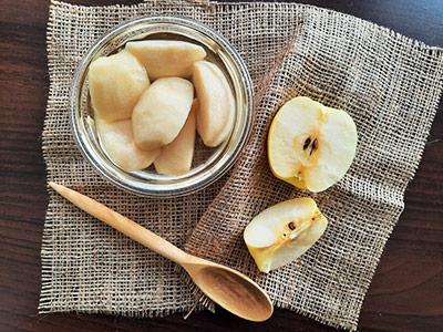 طرز تهیه کمپوت سیب داخل شیشه