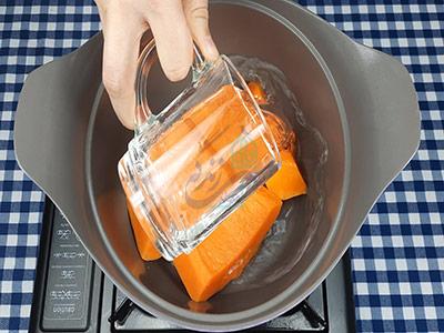 پخت کدو حلوایی برای حلوا کدو حلوایی