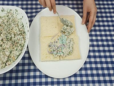 طرز تهیه کیک مرغ و گردو