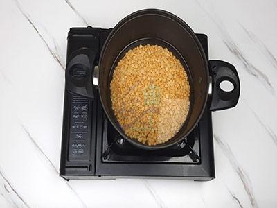 پختن لپه برای دلمه برگ مو