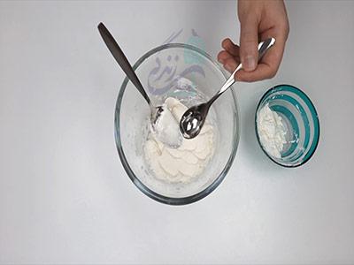 اضافه کردن گلیسیرین در آموزش ساخت خمیر کلی