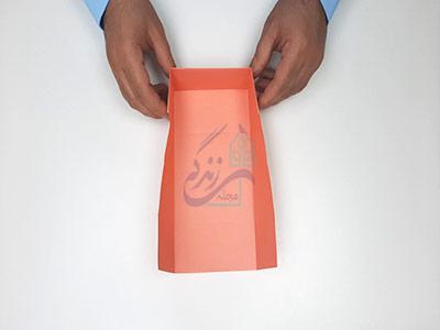 عمودی نگه داشتن کاغذ در آموزش کاردستی جعبه